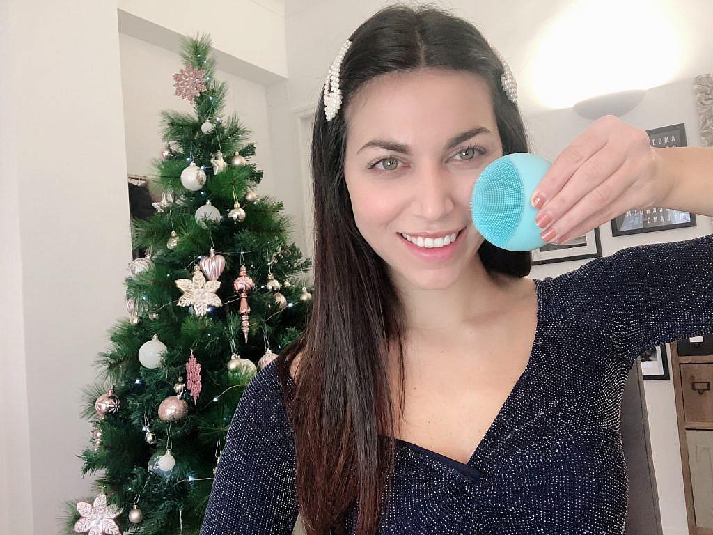 Pulizia del viso intelligente con FOREO LUNA mini 3